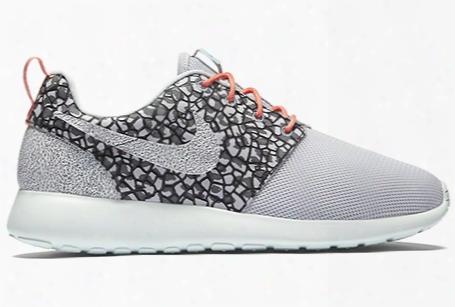 Nike Wmns Roshe One Premium