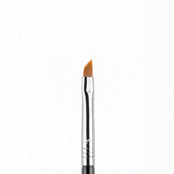 Sigma Beauty E06 - Winged Liner Brush