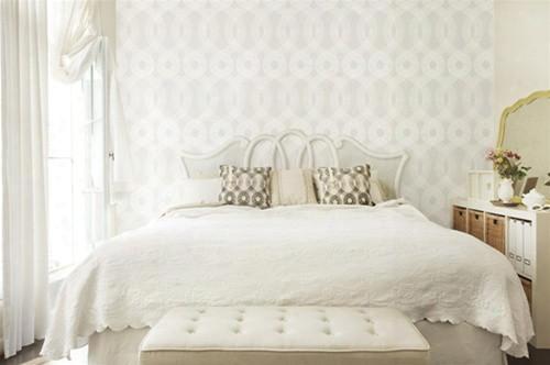 Sample Of Spiro Wallpaper In Off White And White- Kreme