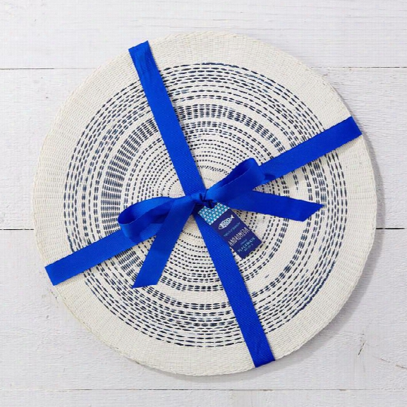 Set Of 4 Round Indigo Placemats In 2 Assorted Designs Design By Twos Company