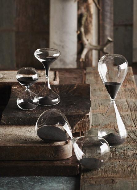 Black Sand Hourglass