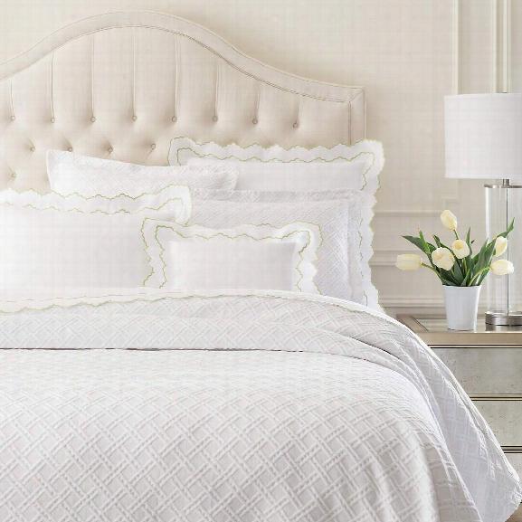 Traliccio White Matelasse Coverlet Design By Luxe