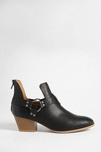 Qupid Faux Leather Ankle Bootie