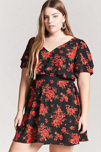 Plus Size Textured Floral Tiered-sleeve Dress