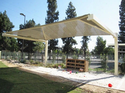 Full Single Cantilevered Shade Structure 20 Foot X 14 Foot