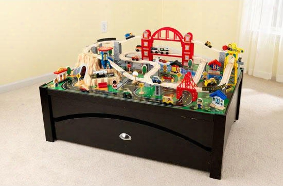 Metropolis Train Table And Trainset