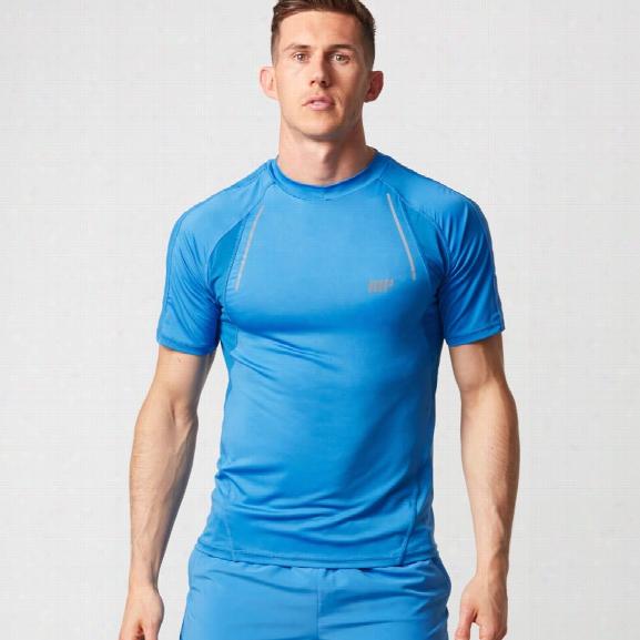 Strike Football T-shirt - Light Blue - S